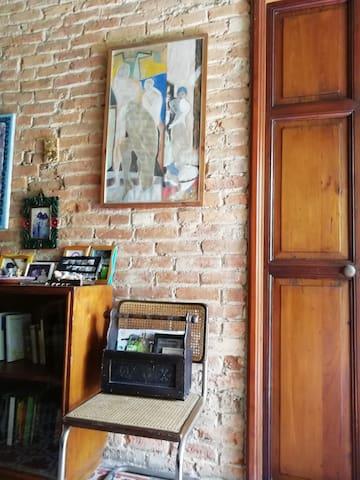 Detalle. La casa cuidada y limpia demuestra en sus detalles la preservación y restauración de una casa antigua.