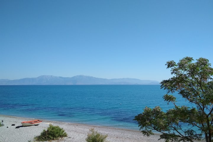 Beachfront house in Corinthia, Peloponissos!