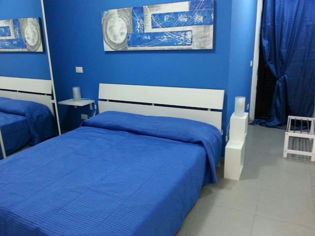 Casa Vacanze Blue House - Santo Stefano di Camastra - Huoneisto