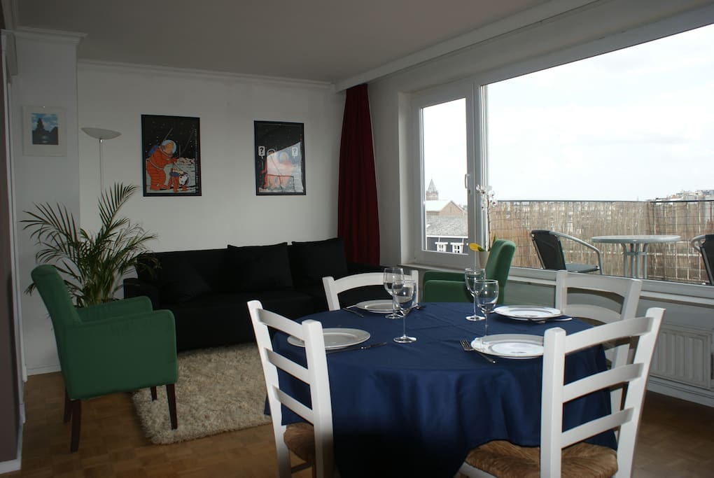 living room with dining table