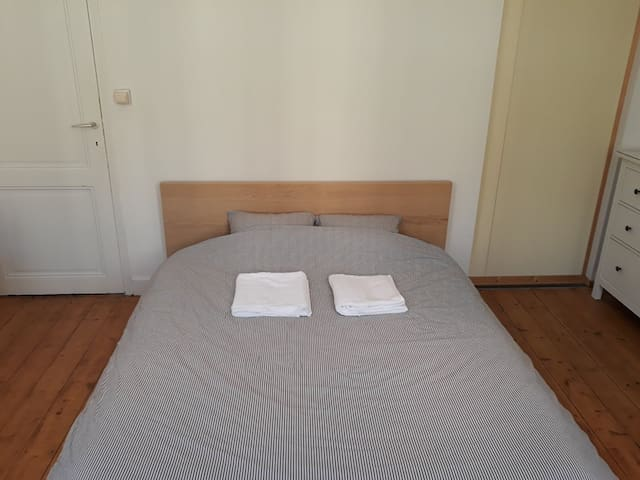Spacious room in the city center of Ghent