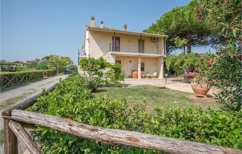 Amazing apartment in Capalbio Scalo with 3 Bedrooms
