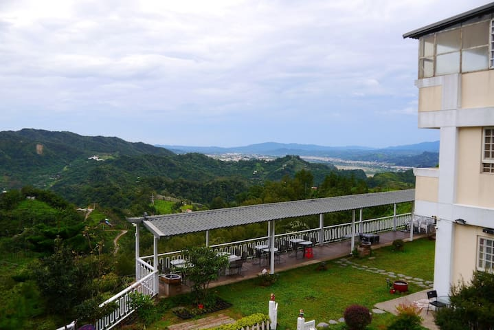 景觀2人房-棉花朵朵(嵐春峰)-台中新社最高景觀民宿 - Xinshe District - Pension