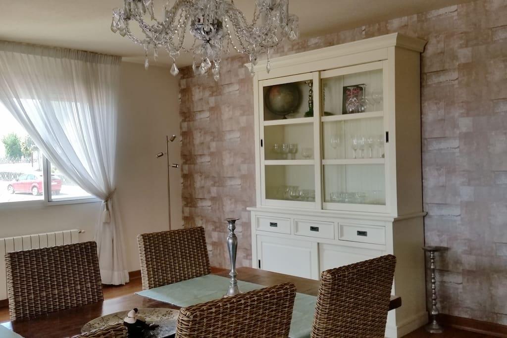 Riante woonkamer van 70 m2