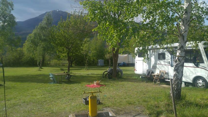 Emplacement de camping pas cher et bien situé