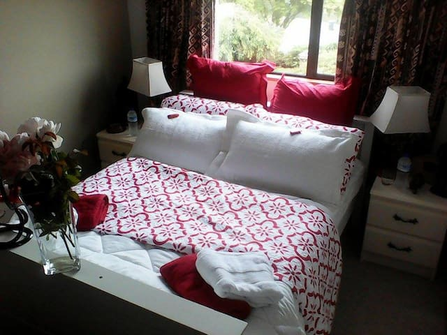 Room 3 The Loft ( Suitable for 2 person) Dbl bed