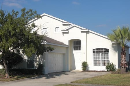 Beautiful spacious family pool home - Davenport - Villa