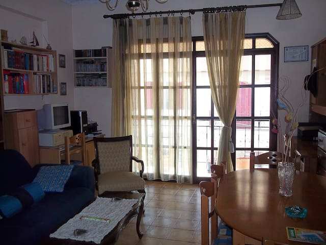 Family home in the city centre - Λευκάδα - Casa