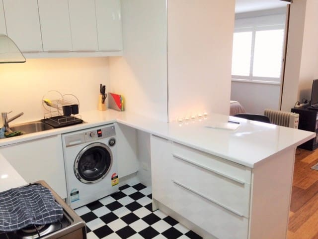 Newly Renovated Private and Secure, Fully Stocked! - Mount Lawley - Apartamento
