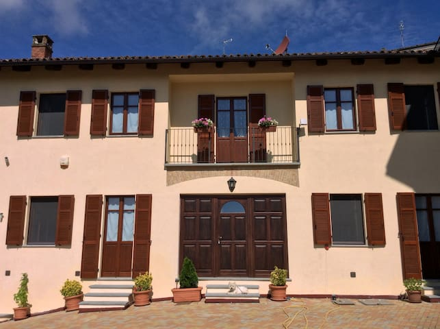 Splendid holiday home in Monferrato, wine county - Casorzo - Wikt i opierunek