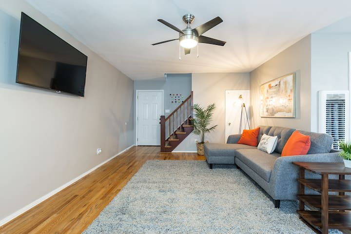 2BR Broad at Brae 2 | Downtown Med Center Stadiums