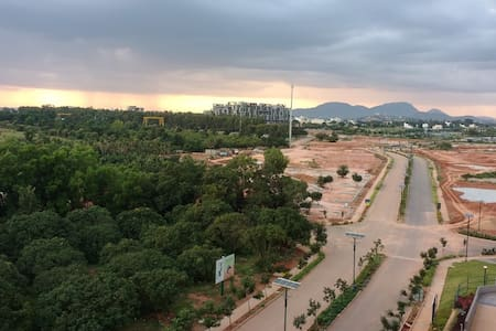 Shared Room with a View ,Near Bangalore Airport . - Boodihal