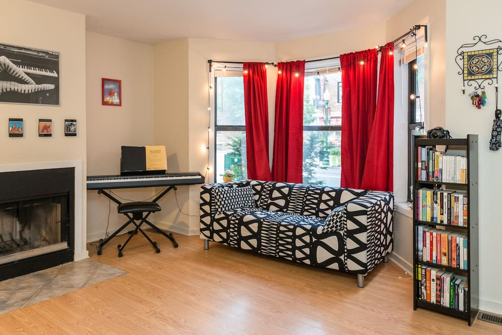 Colorful Bedroom 1 Block From Yale Apartments For Rent