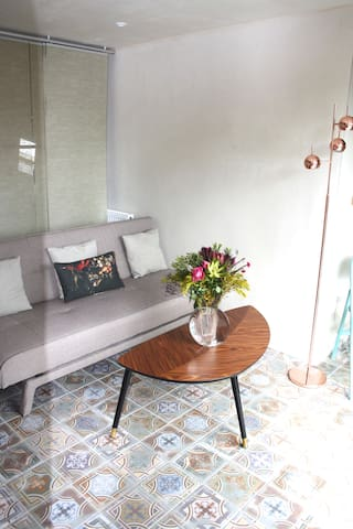 Beautiful, Spacious Studio in trendy Kensal Green