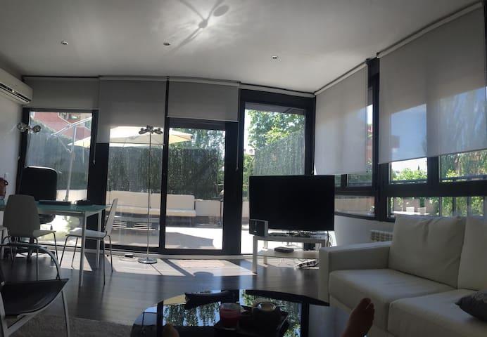 Habitación en comodisimo Loft - Madrid - Apartemen