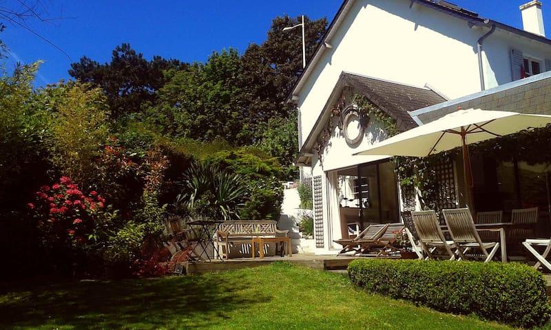 Villa 4 chambres sur jardin à 800m de la mer - Villers-sur-Mer