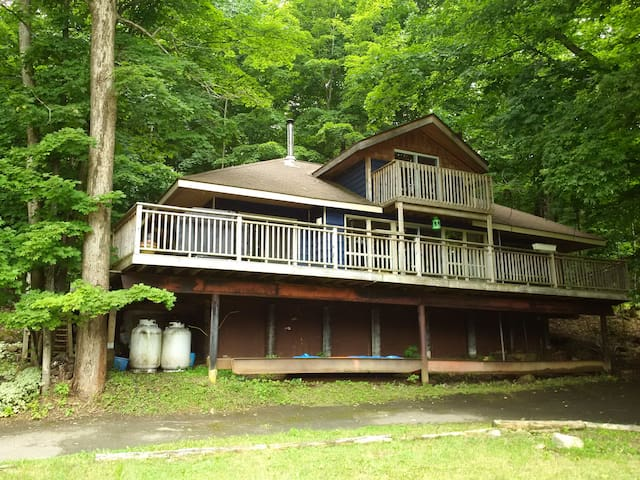 Hillside Lodge Port Carling (3b+1b+water access)