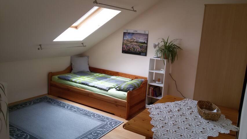 Zimmer mit Blick zum Sternenhimmel