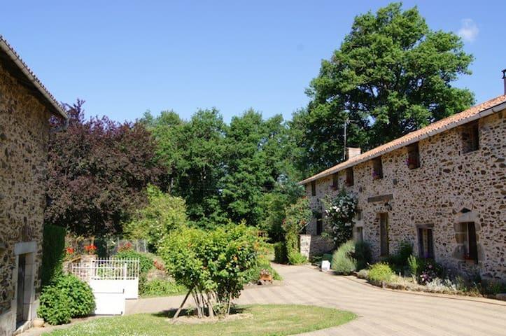 Chambre privée en périgord vert - St Jory de Chalais - Bed & Breakfast