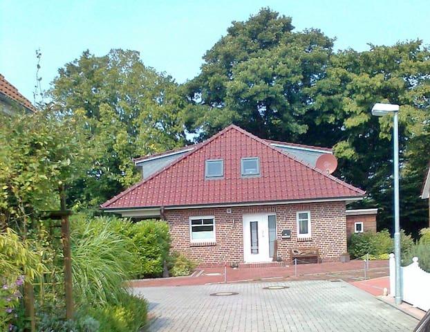 Wunderschönes Haus (EFH) mit Garten an der Nordsee - Wilhelmshaven - Casa