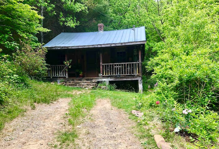 Remote Mountain Cabin In The Woods Cabins For Rent In Fries Virginia United States