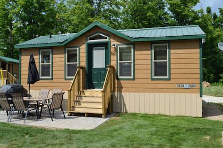 Deluxe Cabins at Toronto West KOA - Milton