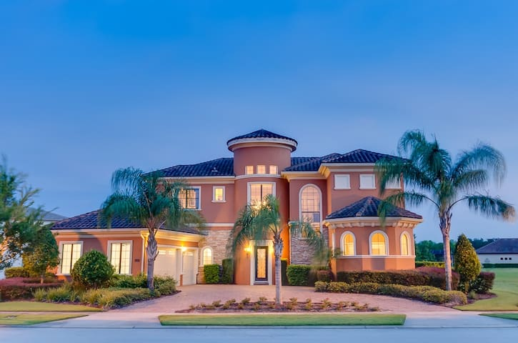The Disney Mansion - HUGE Pool Spectacular Home - Kissimmee - Dům