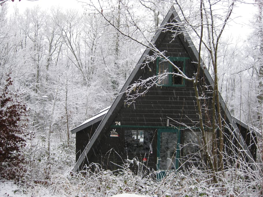 Ons Chalet in de sneeuw.