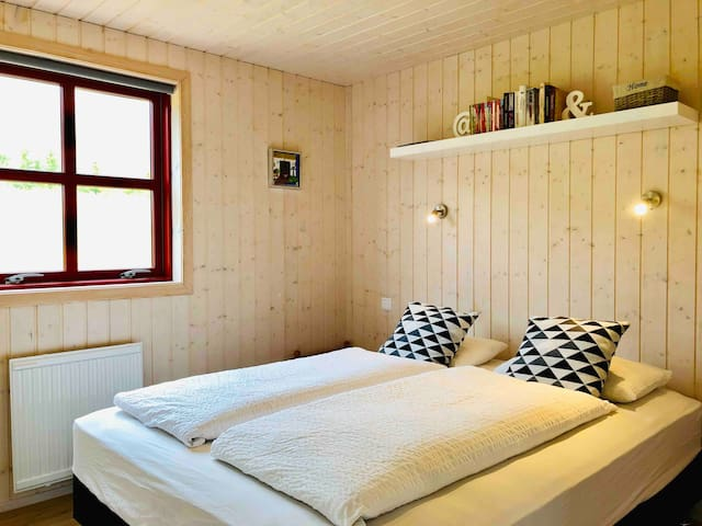 Master bedroom. Double bed.