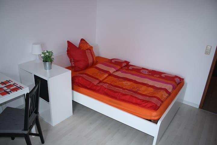 Helles 1-Zimmer-Apt in Mannheim-Rheinau