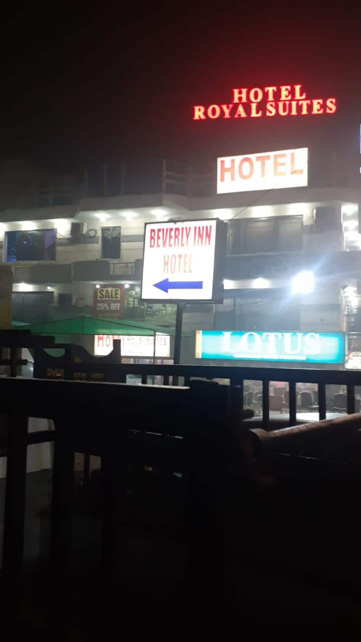 2 min Drive To Lahore Airport Lahore