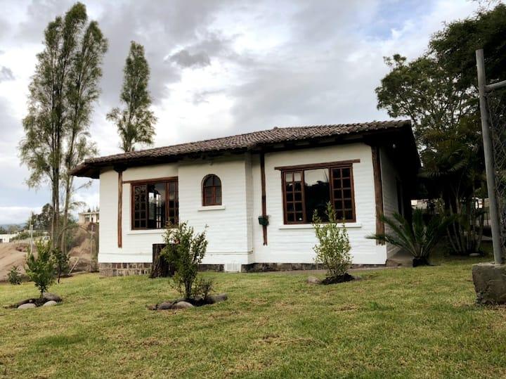 Hermosa y acogedora casa en Tumbaco