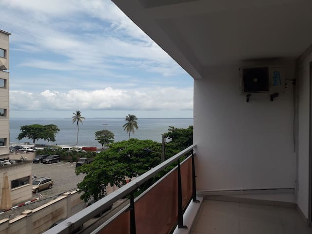 Sea view Apartment adjoining President office.