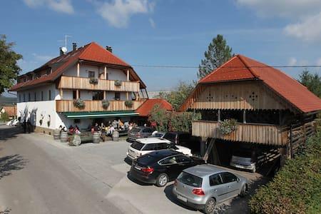 Guesthouse Novak - Sadinja Vas pri Dvoru