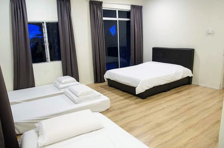 Lower floor Room 1