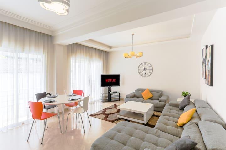 Bel appartement tout neuf, Racine