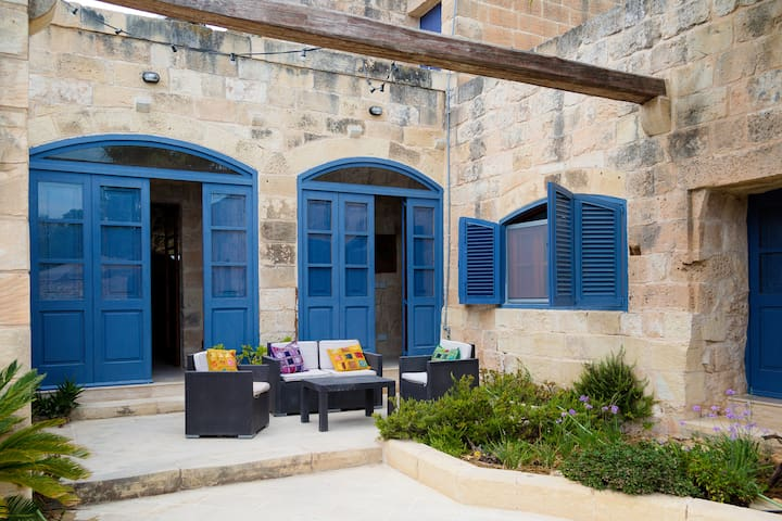Countryside Farmhouse Mgarr, Malta - Mgarr - Casa