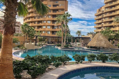 ★Sandy Beach★Bella Sirena★1st Fl★HUGE Patio★WOW