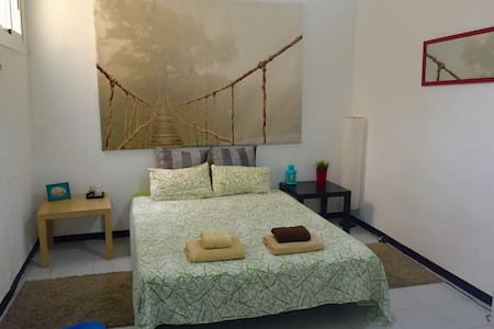 This is a comfortable , new and modern private bed-room and measuring 18 square meters. in the center of the main city, near La Rambla del Raval ! Double bed so it is perfect for couples or single .