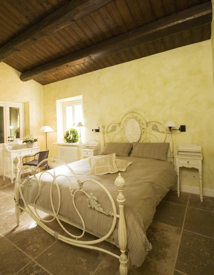 """The Painter's room"" (Country House il Sassòne)"