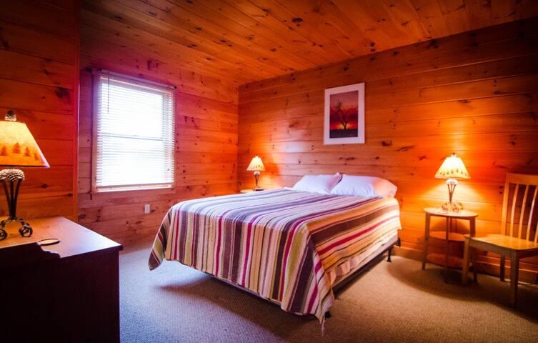 Quiet, Country B&B - Benton - Bed & Breakfast