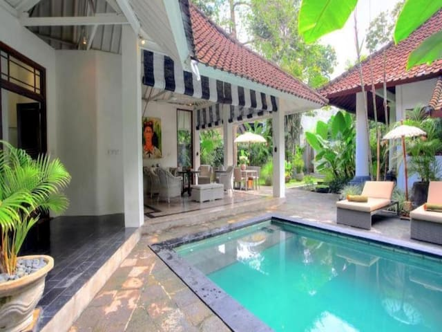 2 Bedrooms Villa in The Heart of Seminyak - Kuta - Villa
