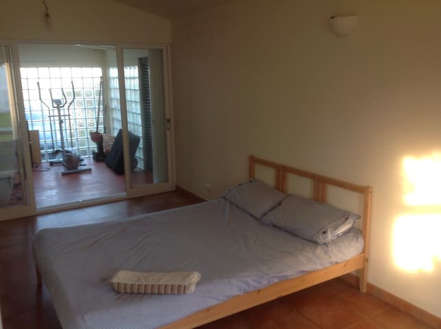 Double room is spacious beach house - Torres Vedras - House