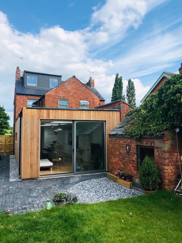 Bespoke Holiday Home in the Heart of Cheshire