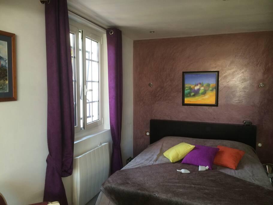 Chambre d 39 h tes conviviale appartements louer saint for Chambre hote paca