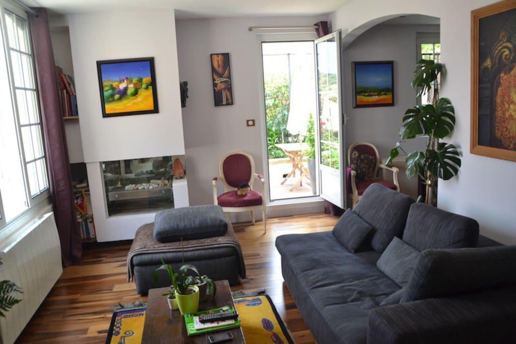 Chambre d 39 h tes conviviale appartements louer saint for Chambre d hotes paca