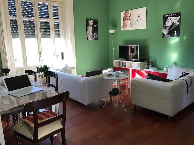 Stupenda camera matrimoniale con balcone Darsena - Milà