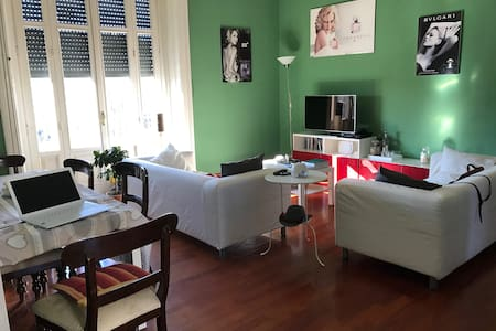 Stupenda camera matrimoniale con balcone Darsena - Milano - Apartment
