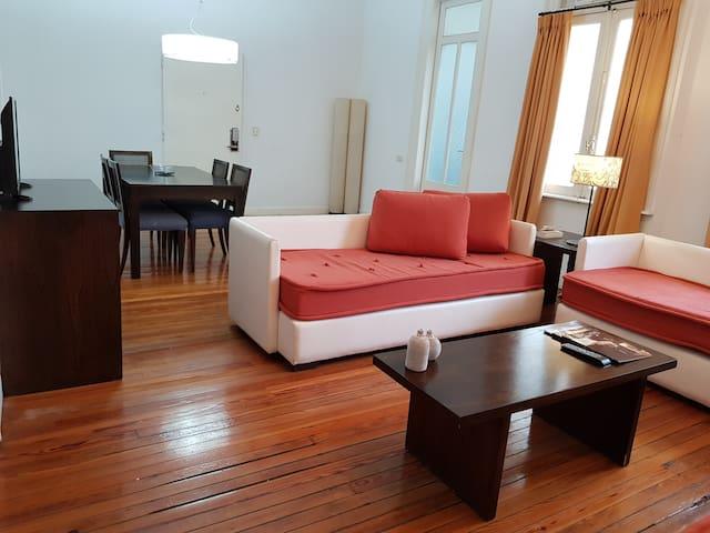 Sala con 3 sofa cama