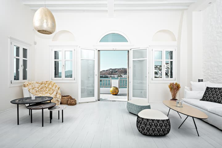 Pnoe Seafront Residence, Mykonos Town